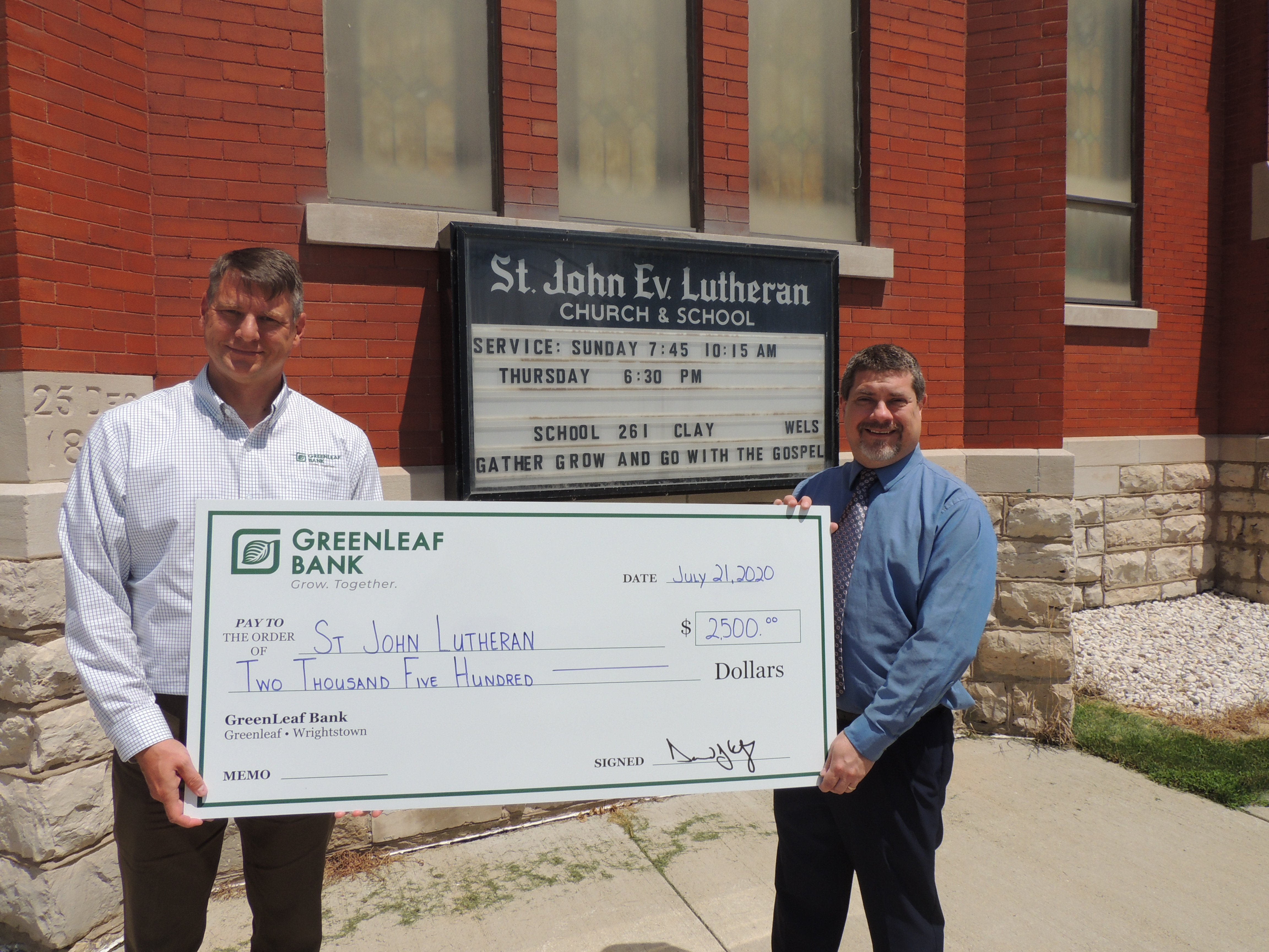 GreenLeaf Bank awards grants to local nonprofits.